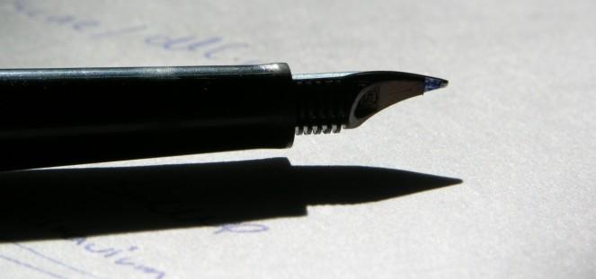Pen side